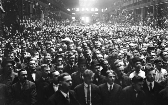 A crowd of Allis Chalmers workers waiting to hear a campaign speech by William Howard Taft (1857-1930) during his successful campaign for the US Presidency in 1908.